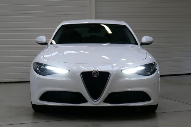 alfa romeo giulia neuf brest 2 2 jtd 150 ch at8 super blanc alfa finist re bretagne. Black Bedroom Furniture Sets. Home Design Ideas