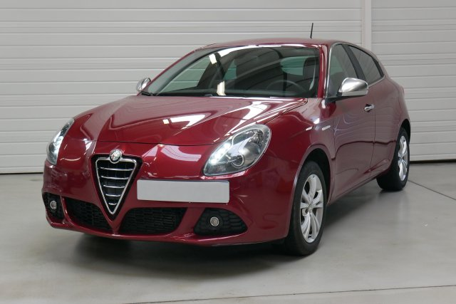 alfa romeo giulietta occasion brest 2 0 jtdm 140 ch s s distinctive rouge alfa finist re. Black Bedroom Furniture Sets. Home Design Ideas