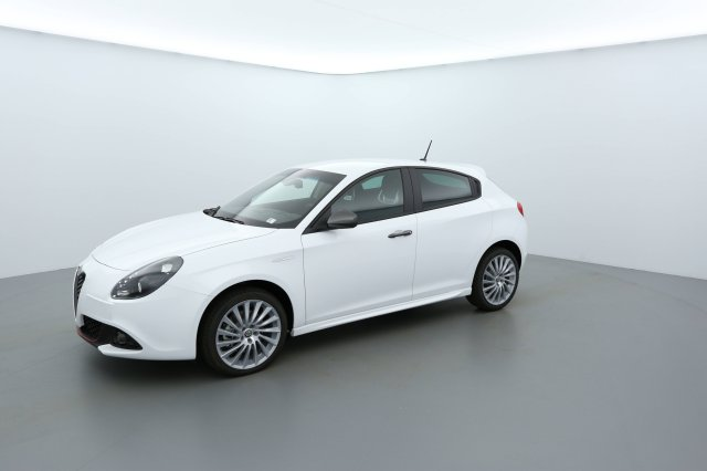 alfa romeo giulietta neuf brest 2 0 jtdm 175 ch s s tct lusso blanc alfa finist re bretagne. Black Bedroom Furniture Sets. Home Design Ideas