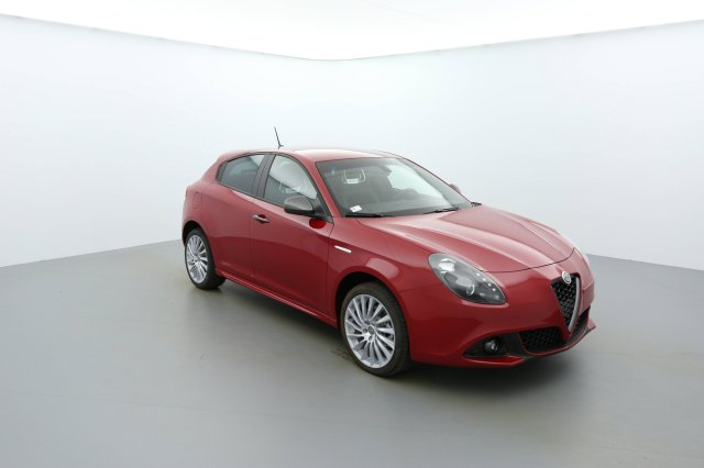 alfa romeo giulietta neuf brest 2 0 jtdm 150 ch s s lusso rouge alfa finist re bretagne. Black Bedroom Furniture Sets. Home Design Ideas