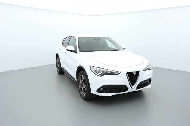 alfa romeo stelvio neuf brest 2 2 210 ch q4 at8 sport edition blanc alfa finist re bretagne. Black Bedroom Furniture Sets. Home Design Ideas