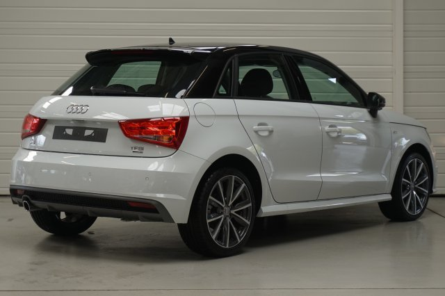 audi a1 sportback neuf brest 1 0 tfsi 95 ultra blanc glacier toit noir finist re bretagne. Black Bedroom Furniture Sets. Home Design Ideas
