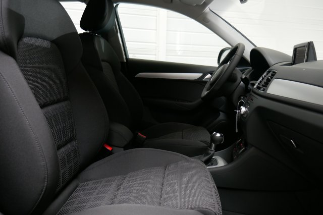 annonce AUDI Q3 1.4 TFSI COD Ultra 150 ch Ambiente neuf Brest Bretagne