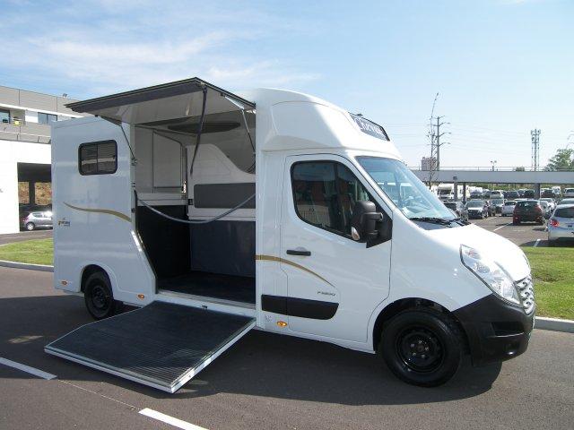 chevaux camion pour transport 5 avec home car. Black Bedroom Furniture Sets. Home Design Ideas