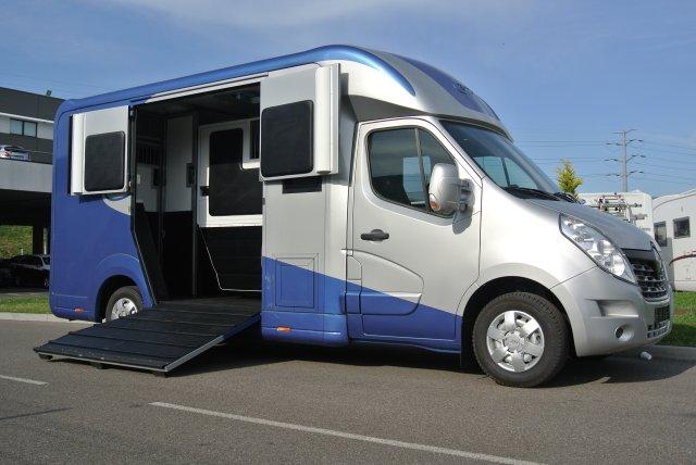 camion chevaux stx haras 5 places renault master dci 170 l3 11700544 starterre equestre. Black Bedroom Furniture Sets. Home Design Ideas