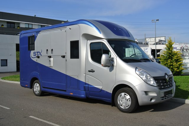 camion chevaux stx haras 5 places renault master dci 170 l3 11700544 starterre equestre. Black Bedroom Furniture Sets. Home Design Ideas