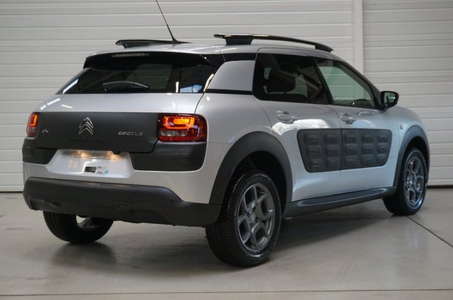 citroen c4 cactus occasion brest bluehdi 100 shine blanc perle nacr e finist re bretagne. Black Bedroom Furniture Sets. Home Design Ideas