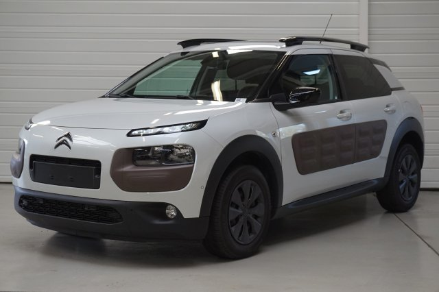 citroen c4 cactus occasion brest bluehdi 100 s s shine. Black Bedroom Furniture Sets. Home Design Ideas