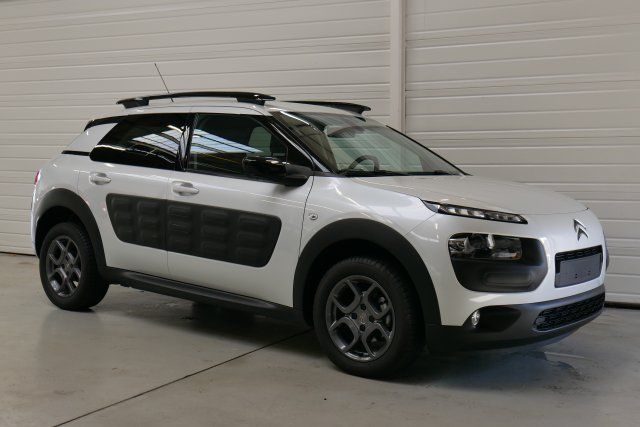 citroen c4 cactus occasion brest bluehdi 100 s s etg6 shine blanc nacr finist re bretagne. Black Bedroom Furniture Sets. Home Design Ideas