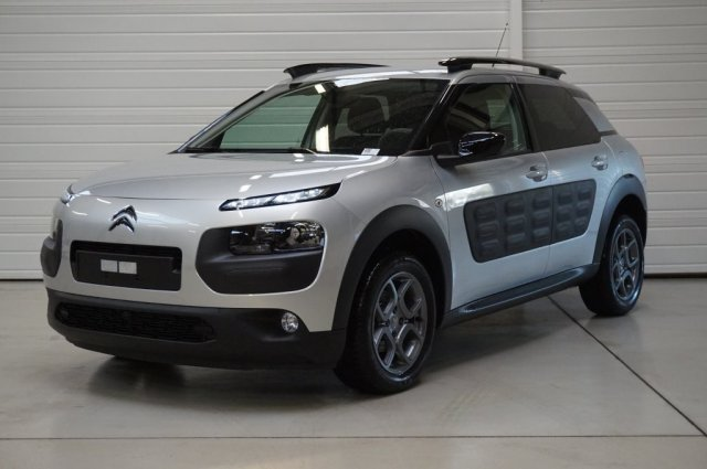 citroen c4 cactus occasion brest bluehdi 100 shine noir obsidien finist re bretagne. Black Bedroom Furniture Sets. Home Design Ideas