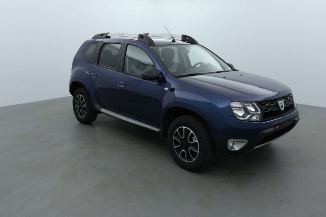 dacia duster neuf brest tce 125 4x2 black touch 2017 bleu cosmos finist re bretagne. Black Bedroom Furniture Sets. Home Design Ideas