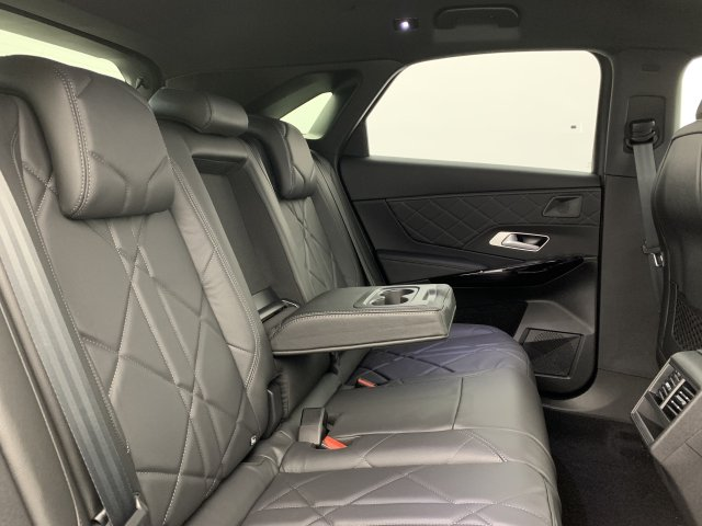Photo véhicule 1 DS Ds7 crossback BlueHDi 130 EAT8 Grand Chic