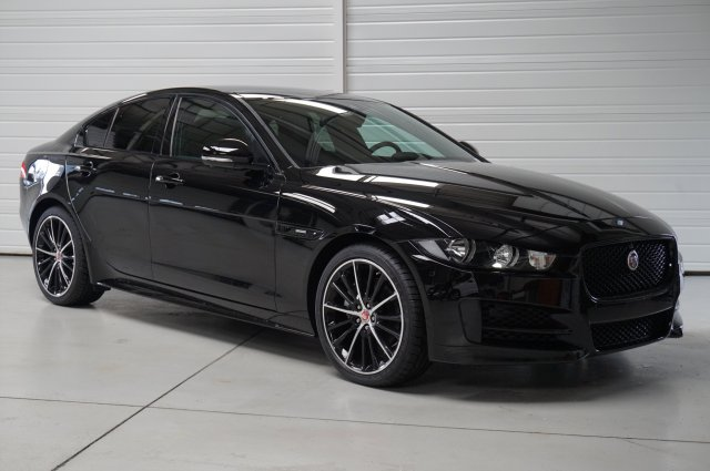 photo JAGUAR XE 2.0 D - 180 AWD R-Sport A