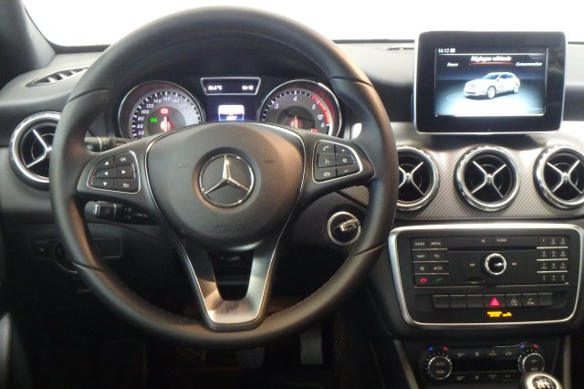 mercedes classe gla occasion brest 200 d inspiration gris montagne finist re bretagne. Black Bedroom Furniture Sets. Home Design Ideas