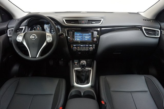 nissan qashqai neuf brest 1 6 dci 130 all mode 4x4 i tekna blanc lunaire finist re bretagne. Black Bedroom Furniture Sets. Home Design Ideas
