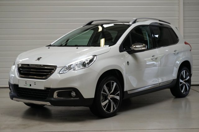 peugeot 2008 neuf brest 1 2 puretech 110ch s s bvm5 crossway blanc nacr finist re bretagne. Black Bedroom Furniture Sets. Home Design Ideas