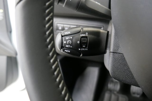 annonce PEUGEOT 308 1.6 BlueHDi 120ch S S EAT6 Allure neuf Brest Bretagne
