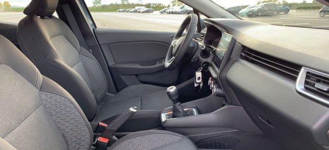 Photo véhicule 1 RENAULT Clio v TCE 100 GPL ZEN