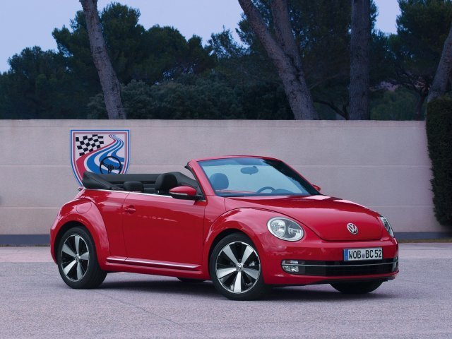 volkswagen coccinelle cabriolet occasion brest 2 0 tdi 110 bmt club blanc pur finist re. Black Bedroom Furniture Sets. Home Design Ideas