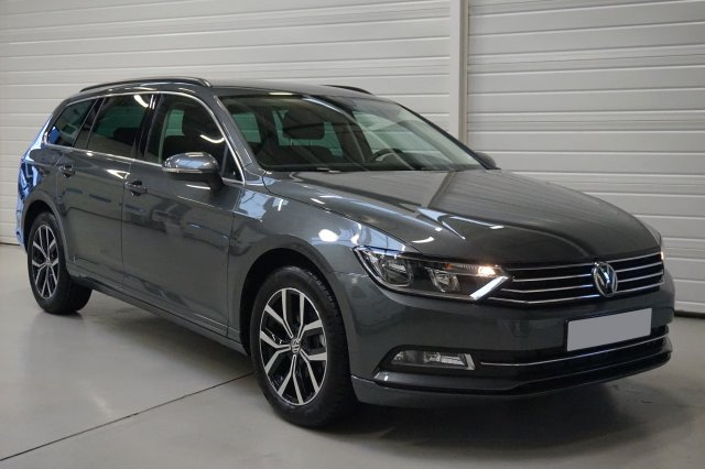 volkswagen passat sw 2 0 tdi 150 bluemotion technology confortline dsg6 ref 11503306. Black Bedroom Furniture Sets. Home Design Ideas