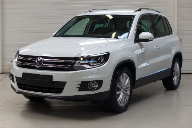 volkswagen tiguan 2 0 tdi 140 fap bluemotion technology sportline 11305255. Black Bedroom Furniture Sets. Home Design Ideas