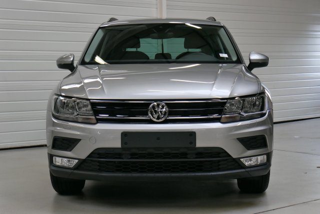 volkswagen tiguan nouveau occasion brest 2 0 tdi 150 bmt confortline gris tungsten finist re. Black Bedroom Furniture Sets. Home Design Ideas