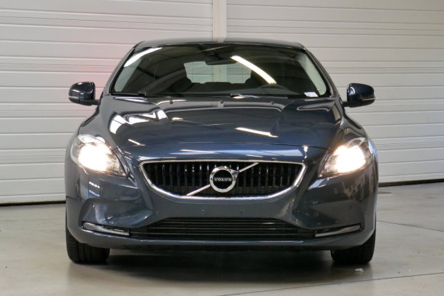 annonce VOLVO V40 D2 120 Geartronic 6 Kinetic occasion Brest Bretagne