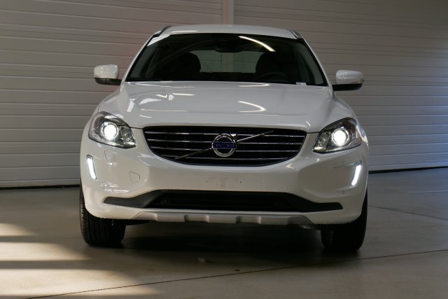 volvo xc60 neuf brest d3 150 ch summum geartronic a blanc glace finist re bretagne. Black Bedroom Furniture Sets. Home Design Ideas