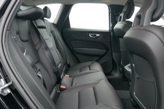 annonce VOLVO XC60 D4 AWD 190 CH GEARTRONIC 8 MOMENTUM neuf Brest Bretagne